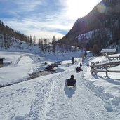 D-0618-vals-rodeln-bei-fane-alm-winter-schnee.jpg