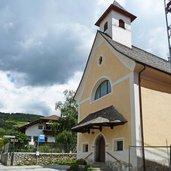 D-2692-nauders-bei-rodeneck-kirche-st-benedikt.jpg