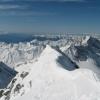 Blick ins Herz der Zillertaler Alpen. Nur der Hochfeiler ist mit 3.510 m in dieser Berggruppe höher als der Große Möseler. Foto: BS, © Peer