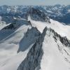 Die schroffen Spitzen der Zillertaler Alpen - im Bild der Kleine Möseler und der Turnerkamp, im Hintergrund die Bergwelt des Ahrntales. Foto: BS, © Peer