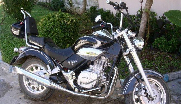 Motorbikes, © fotolibrary