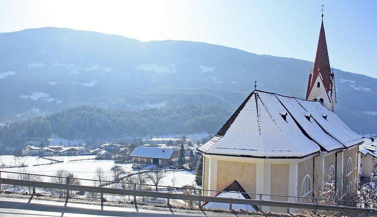 Kiens Dorf Chienes paese Winter inverno